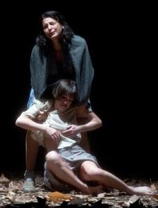 Recensione dello spettacolo La Ciociara di Annibale Ruccello per la regia di Roberta Torre al Teatro Bellini di Napoli