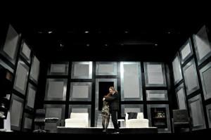 """Recensione dello spettacolo """"Piccoli crimini coniugali"""" al Teatro Bellini di Napoli"""