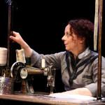 """Al via la stagione teatrale della Sala Assoli di Napoli con Laura Curino in """"Scintille"""", scritto e diretto da Laura Sicignano"""