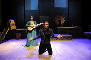 """Martedì 18 dicembre 2012: Stefano Accorsi in """"Furioso Orlando"""", in scena al Teatro Nuovo di Napoli"""