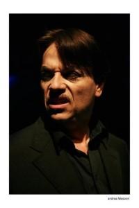 """""""Le Mani Aperte"""", di Roberto Russo e con Arnolfo Petri, in scena allo Studio Apollonia di Salerno il 26 e 27 gennaio 2013"""