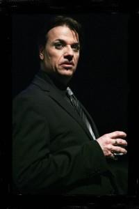 """""""Tutto di un cretino"""", spettacolo di Roberto Russo, al Teatro Il Primo di Napoli"""
