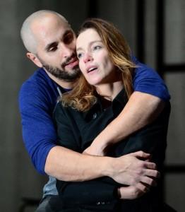 """Recensione dello spettacolo """"Ricorda con rabbia"""" al Teatro Bellini di Napoli"""