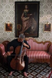 Nuovo appuntamento della Stagione Sinfonica 2013 del Teatro San Carlo di Napoli con Giovanni Sollima e Mimmo Calopresti