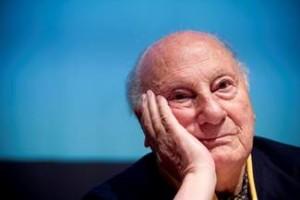 """""""Letteratura e salti mortali"""", spettacolo dedicato a Raffaele La Capria al Ridotto del Mercadante dal 25 febbraio"""