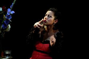 """Sara Pallini in """"Pazza d'amore"""" di Dacia Maraini, per la regia di Emanuele Vezzoli, al Teatro Elicantropo di Napoli"""
