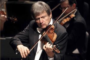 Uto Ughi torna al Teatro San Carlo di Napoli per una speciale lezione concerto rivolta ai giovani
