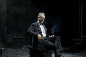 """Recensione dello spettacolo """"Riccardo III"""", per la regia di Massimo Ranieri, al Teatro Diana di Napoli"""