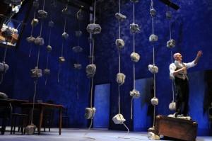 """Recensione dello spettacolo """"Father and son"""", con Claudio Bisio, al Teatro Bellini di Napoli"""