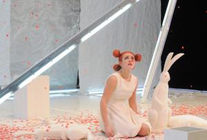 """Ambra Angiolini in """"La misteriosa scomparsa di W"""" di Stefano Benni dal 18 marzo 2015 al Teatro Nuovo di Napoli"""