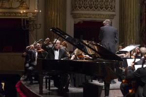 Il pianista russo-israeliano Yefim Bronfman il 25 marzo 2015 al Teatro San Carlo di Napoli. Sul podio Juraj Valčuha