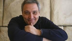 Appuntamento con Maurizio De Giovanni, martedì 31 marzo 2015 alla libreria Iocisto di Napoli