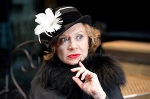 """Giuliana Lojodice in """"La professione della signora Warren"""", dal 22 aprile al 3 maggio 2015 al Teatro Mercadante di Napoli"""