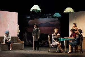 """Dal 28 ottobre al 15 novembre 2015 al Teatro Mercadante di Napoli """"In memoria di una signora amica"""""""