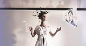"""Recensione dello spettacolo """"Come ne venimmo fuori"""", di e con Sabina Guzzanti, al Teatro Bellini di Napoli"""