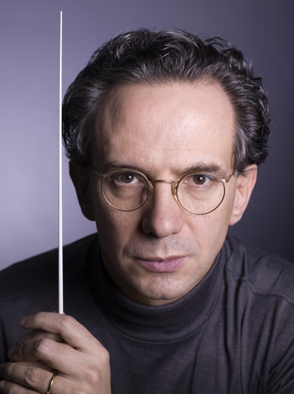 Fabio Luisi ritorna sul podio dell'Orchestra del Teatro San Carlo di Napoli insieme al pianista Joaquín Achúcarro, il 20 e 21 gennaio 2017