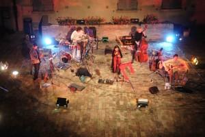"""""""Todo el mundo a cantar"""": i Cantodiscanto in concerto al Piccolo Bellini di Napoli il 29 ed il 30 aprile 2017"""