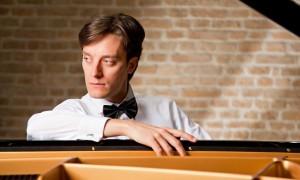 Alexander Briger e Alessandro Taverna protagonisti, il 7 maggio 2017, al Teatro San Carlo di Napoli sulle note di Mozart e Ravel