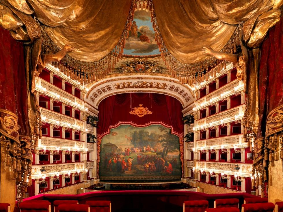 """Progetto """"Regione Lirica"""": il Teatro San Carlo di Napoli riapre nel segno delle grandi voci dal palcoscenico di Piazza del Plebiscito"""