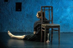 """""""Accabadora"""", dal romanzo di Michela Murgia, per la regia di Veronica Cruciani, dal 15 al 17 dicembre 2017 al Teatro Nuovo di Napoli"""