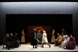 """Maddalena Crippa protagonista dello spettacolo """"Richard II"""" di William Shakespeare dal 5 al 10 dicembre 2017 al Teatro Mercadante di Napoli"""
