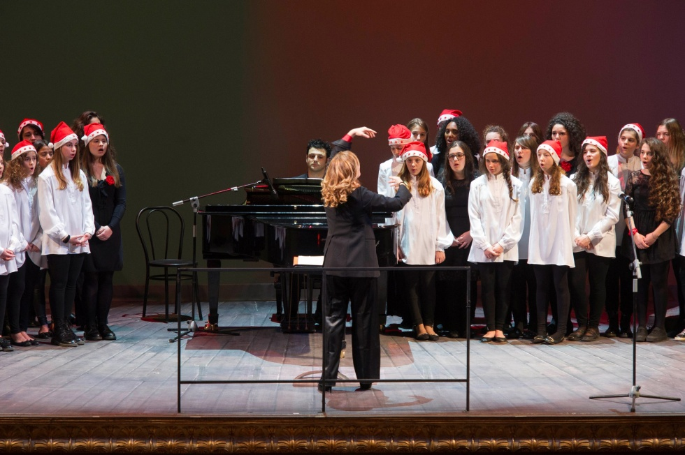 Danilo Rea e il Coro di Voci Bianche nell'appuntamento di musica e solidarietà del Teatro San Carlo di Napoli, giovedì 14 dicembre 2017 alle ore 20