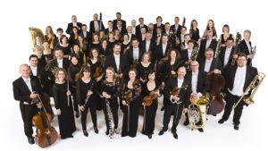 Pinchas Zukerman alla guida della Royal Philharmonic Orchestra e Amanda Forsyth al violoncello il 17 aprile 2018 al Teatro San Carlo di Napoli