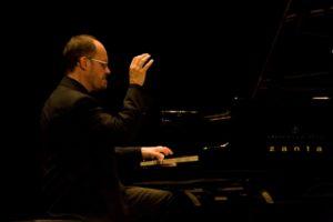 Filippo Gamba per il terzo appuntamento del Maggio della Musica con l'integrale delle Sonate per pianoforte di Ludwig van Beethoven, il 17 maggio 2018