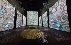 """""""Klimt Experience"""", dal 20 ottobre 2018 al 3 febbraio 2019 a Napoli, all'interno della Basilica dello Spirito Santo"""