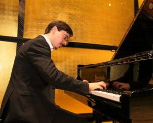 """Maggio del Pianoforte, recital di Gianluca Badon, il 14 ottobre 2018 presso il Museo del tessile e della moda """"Elena Aldobrandini"""" di Napoli"""