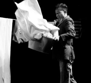 """""""H2io"""", di e con Dario Natale, il 18 novembre 2018 al Teatro Civico 14 di Caserta"""