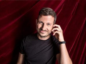 """Francesco Arienzo in """"Maschio adorabile poco virile"""", il 5 aprile 2019 al Teatro Nuovo di Napoli"""