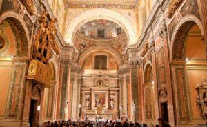 Maurizio Marino accanto alla Nuova Orchestra Scarlatti per UniMusic, il 19 luglio 2019 presso la Chiesa dei SS. Marcellino e Festo