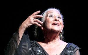 """""""Raccontami. Una passeggiata devota"""", messinscena di Isa Danieli, dal 27 al 29 dicembre 2019 al Teatro Nuovo di Napoli"""