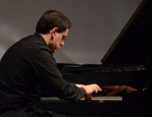 Il pianista Mario Merola per i Preludi di Scriabin e Debussy, il 4 dicembre 2019 presso la Chiesa Luterana di Napoli