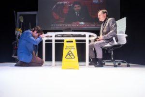 """""""Wet floor"""", di Fabio Pisano, regia di Lello Serao, dal 7 al 12 gennaio 2020 al Piccolo Bellini di Napoli"""