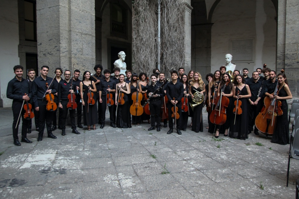 Marco Frisina dirige l'Orchestra Scarlatti Young, il 28 luglio 2021 nel Cortile delle Statue dell'Università Federico II di Napoli