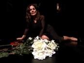 """Cristina Donadio in """"Da questo tempo e da questo luogo 25 rose dopo"""" al Teatro Nuovo di Napoli"""
